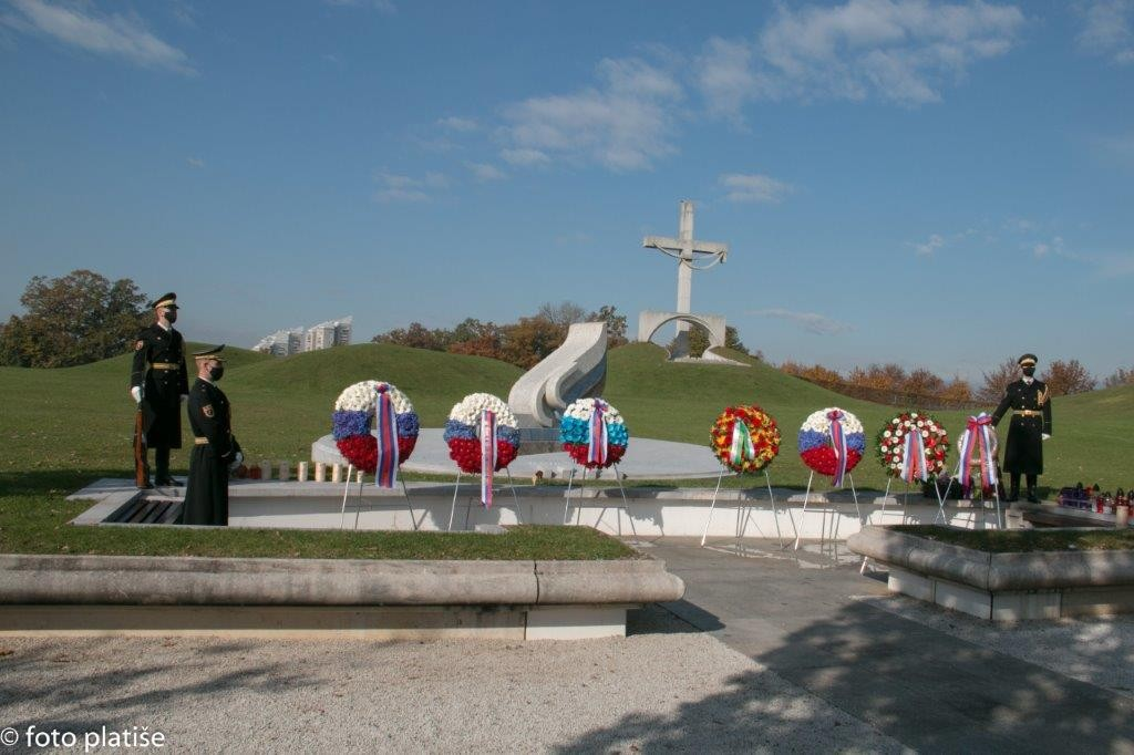 Poklon spominu na padle v vojnah za Slovenijo