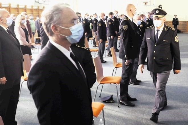 Ima Slovenija notranjega ali policijskega ministra?