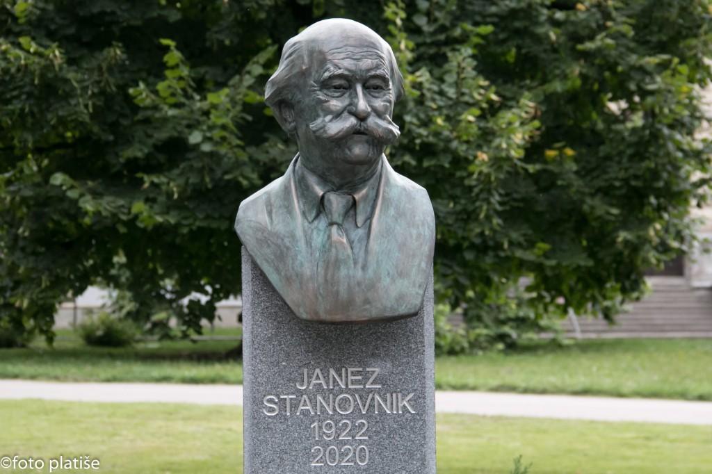 Odkritje doprsnega kipa Janezu Stanovniku